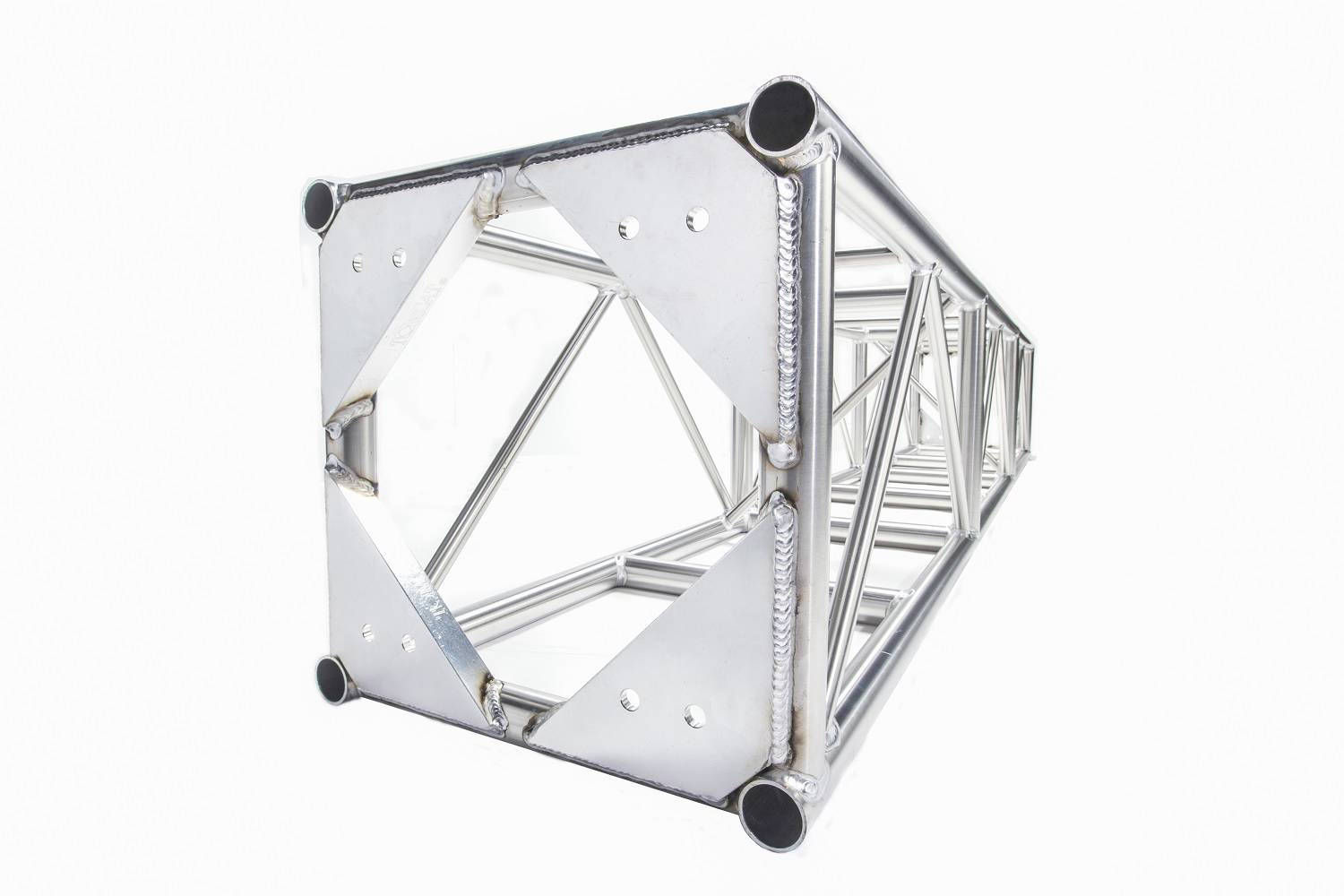 Medium duty truss 20.5 x 20.5 plated